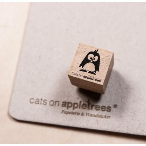 cats on appletrees Ministempel Pinguin Oscar